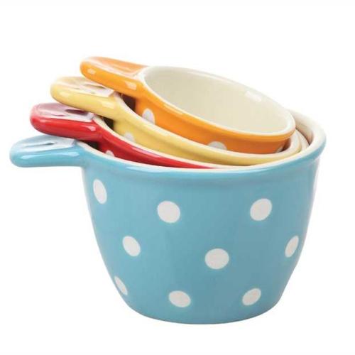 poka dot measuring cups